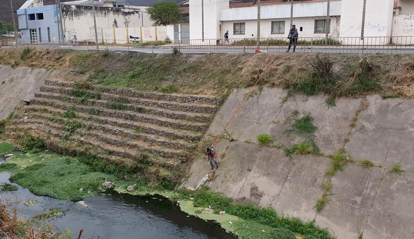 Limpieza de canal