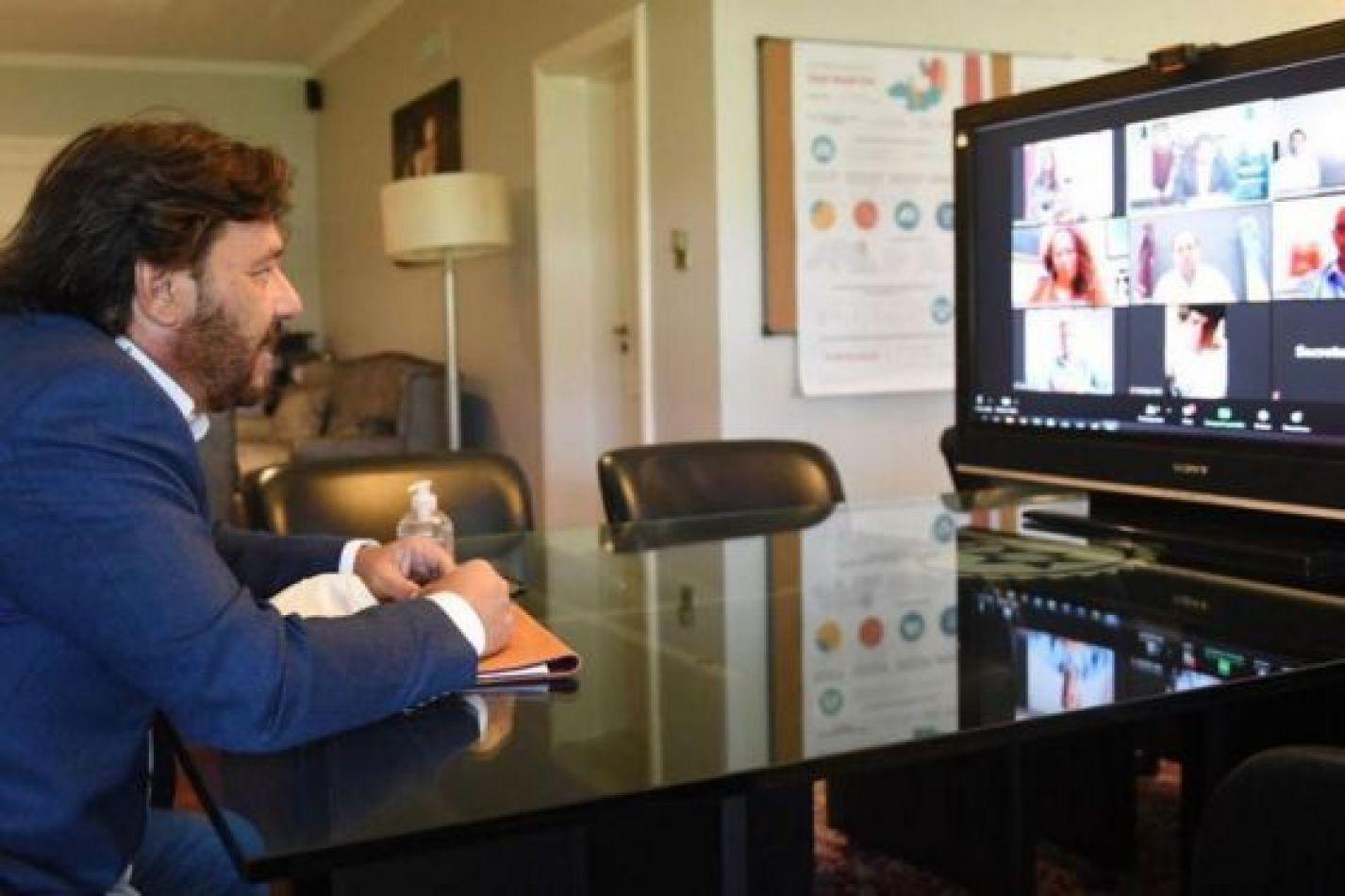 Sáenz en videoconferencia