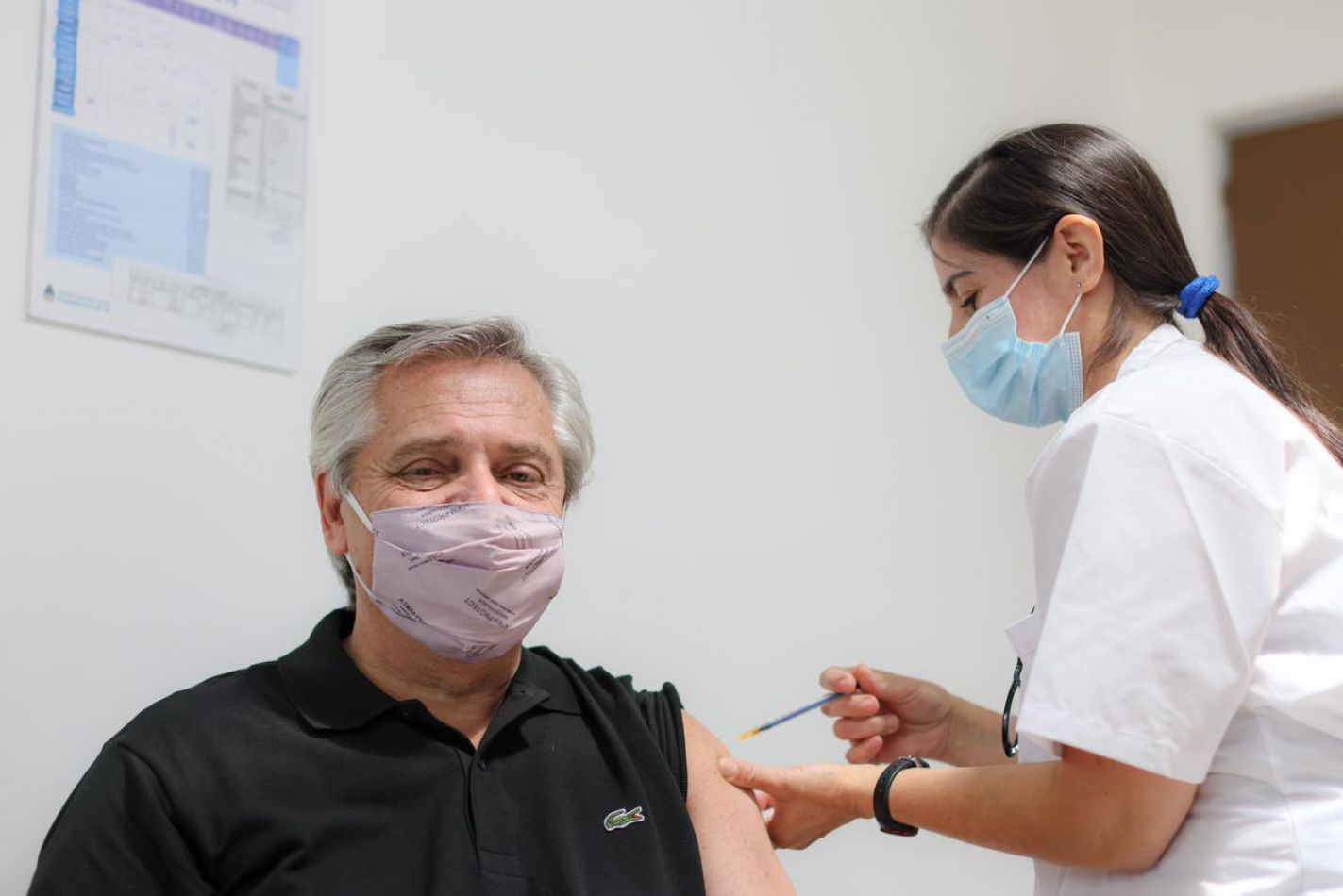 Fernández se contagió pese a haber recibido la vacuna Sputnik V