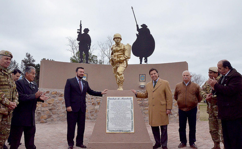 Homenaje a conscriptos que participaron del combate de Manchalá