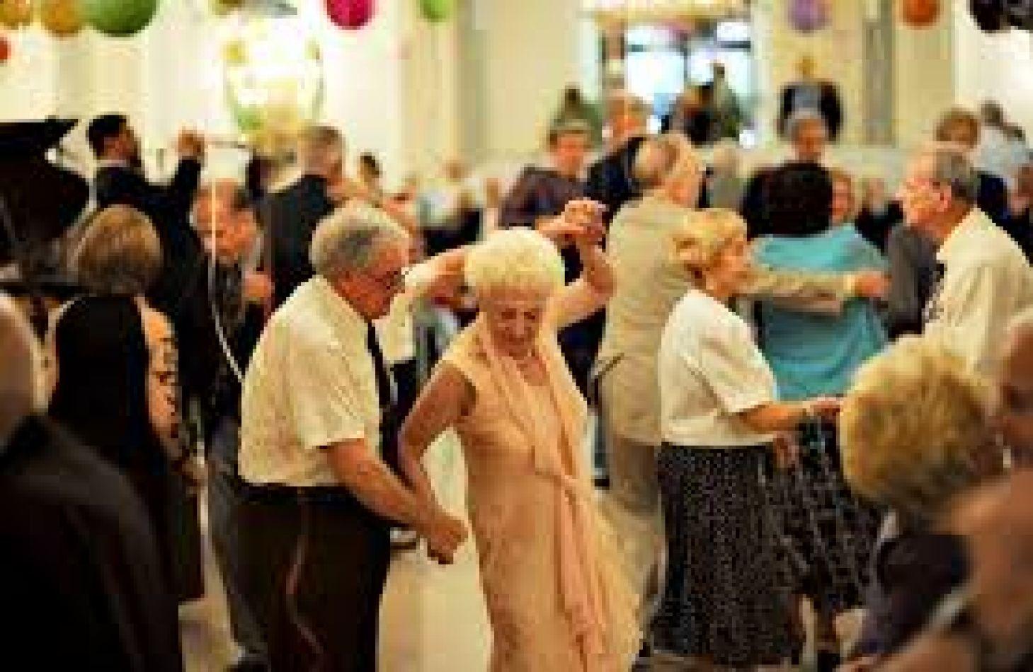 Abuelos a la pista de baile