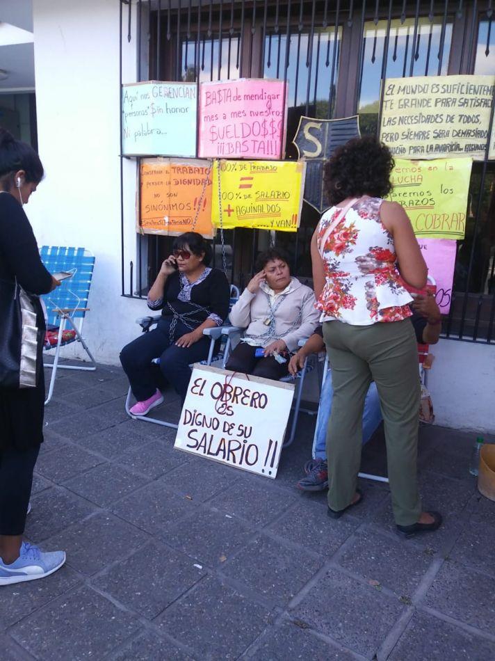 Protesta en el sanatorio Crédito foto: Yael Soruco